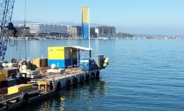 Treuil manuel type 659 installé sur une barge.